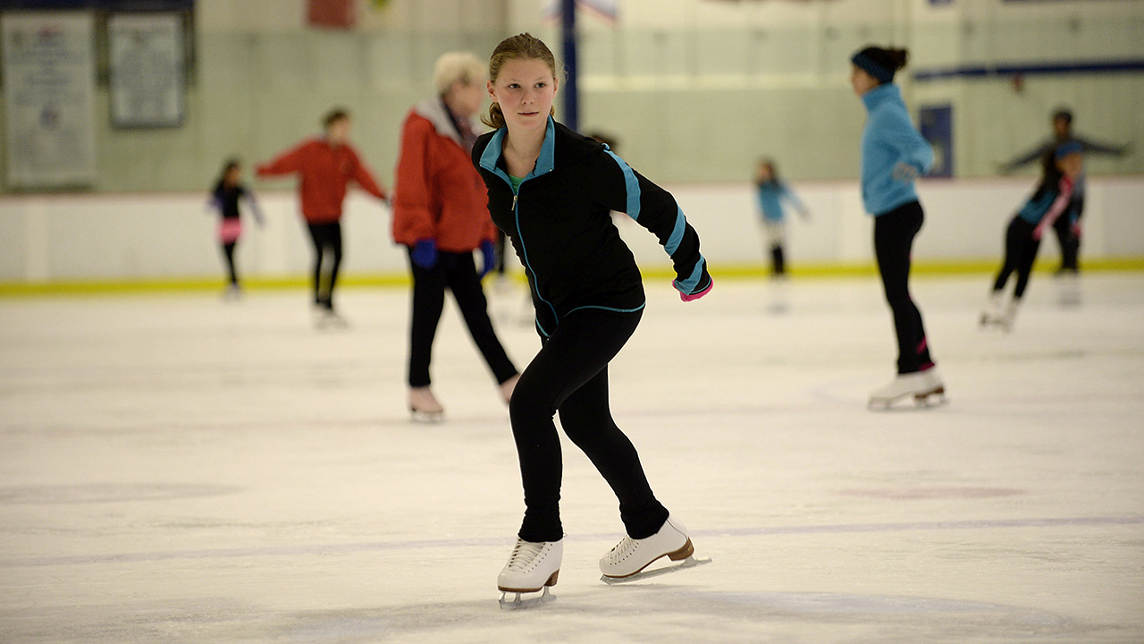 Ice skating classes at Columbia Ice Rink and trainning sessions at the Columbia Athletic Club in Columbia, Md. on Saturday, November 7, 2015. ( © 2015 J.M. Eddins Jr. )